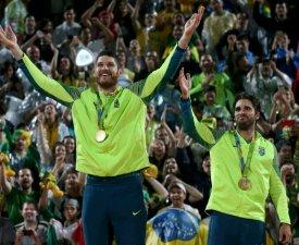 (M): La médaille d'or du beach-volley pour les Brésiliens