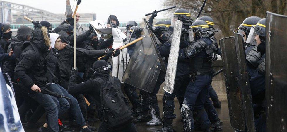 Nantes : un lycéen de 18 ans mis en mis en examen pour tentative d'homicide sur un policier Nantes-un-lyceen-de-18-ans-mis-en-mis-en-examen-pour-tentative-d-homicide-sur-un-policier%7C58bc49b473d0e321f2b5a6ca7f2fe8ca