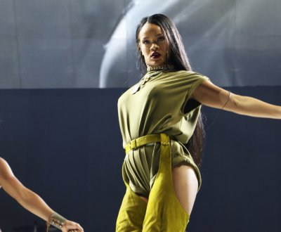 Rihanna, Metallica et d'autres artistes chantent pour les réfugiés à New York