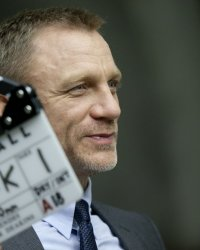James Bond : des scénaristes recrutés, Daniel Craig toujours indécis