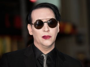 "Marilyn Manson et Shooter Jennings reprennent ""Cat People"" de David Bowie"