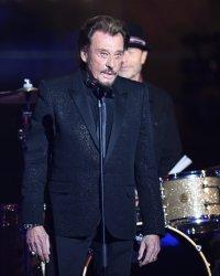 Johnny Hallyday retourne en studio et dit fuck au cancer