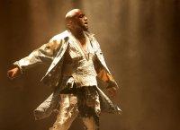 Kanye West, crucifié sur Hollywood Boulevard