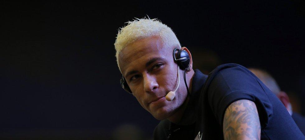 Neymar se lance dans la chanson et c'est très mauvais