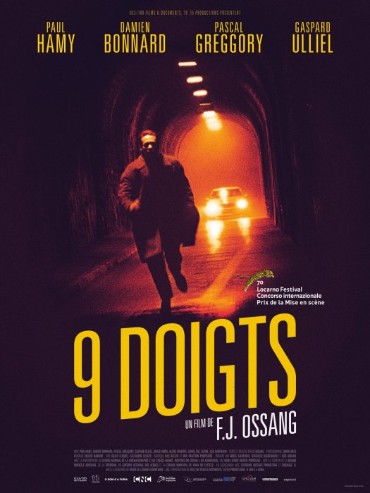 9 doigts : Affiche