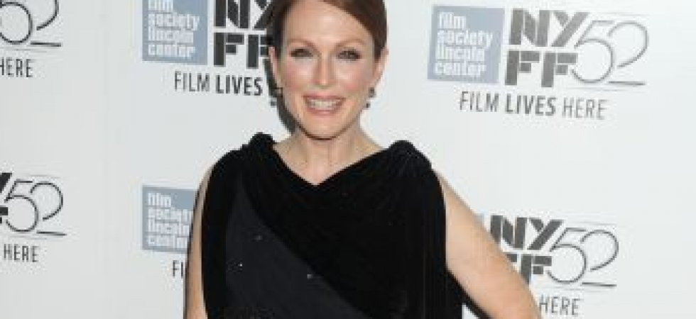 Julianne Moore et sa robe en velours