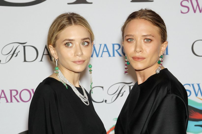 Mary-Kate (à gauche) et Ashley Olsen (à droite) assistent à la remise des prix des CFDA Fashion Awards à New York, le 2 juin 2014.