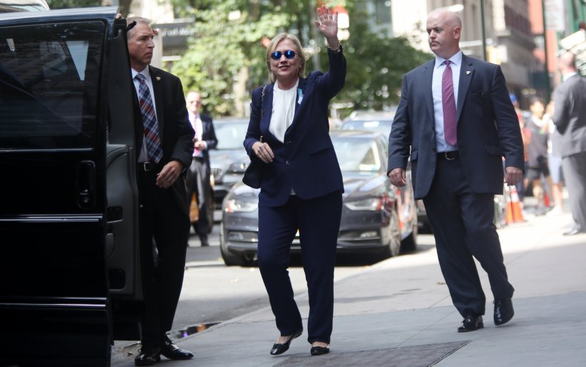 Hillary Clinton sort de l\