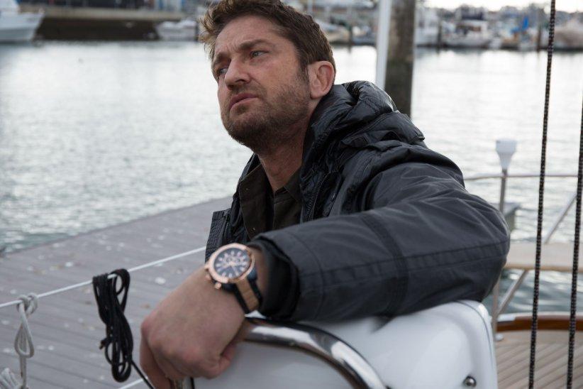 Gerard Butler prend la pose pour les montres Festina.