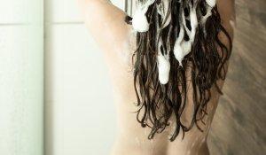 10 astuces pour des cheveux brillants de santé