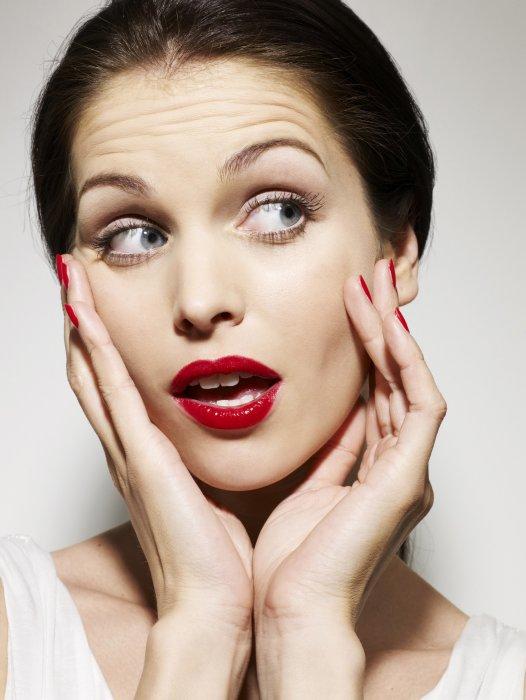 Le maquillage peel-off : tendance et audacieux.
