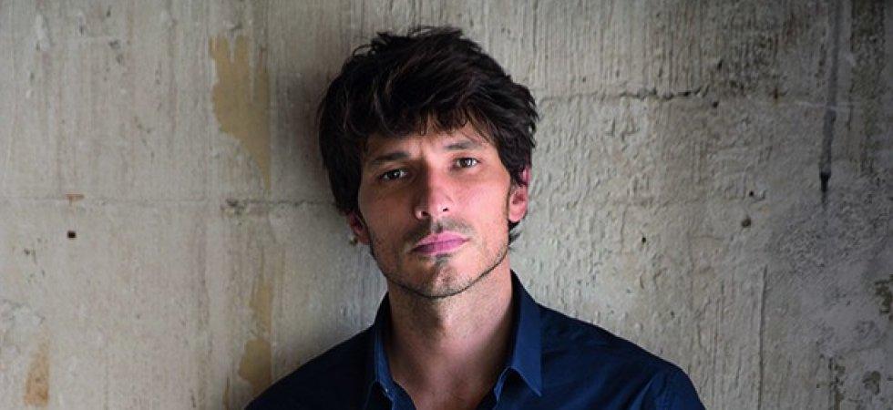 Andrés Velencoso, nouveau visage du prochain parfum masculin Cerruti