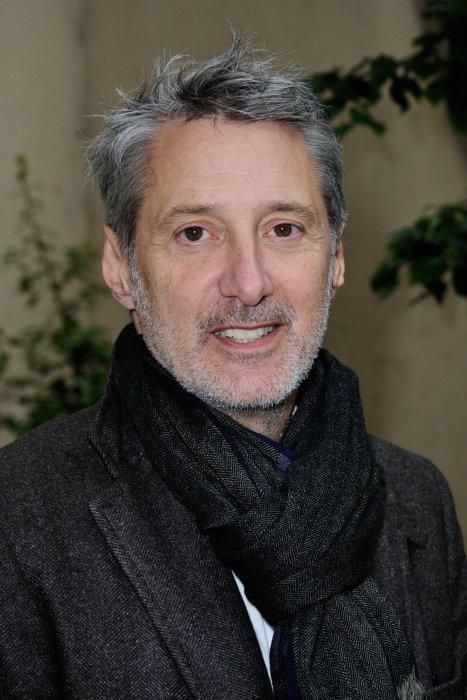 Antoine de Caunes assiste à la conférence de presse de Solidays à Paris, le 2 juin 2016.