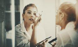 5 astuces pour faire tenir son maquillage toute une soirée