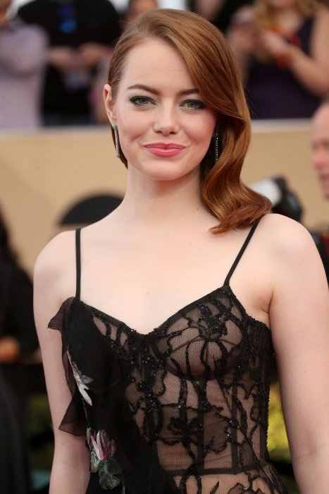 Emma Stone à la 23e cérémonie des Screen Actors Guild Awards au Shine Expo Hall à Los Angeles, le 29 janvier 2017.