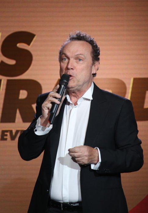 Julien Lepers assiste à la 10e cérémonie des Gérard de la Télévision à Paris le 30 mai 2016.