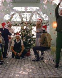 Quand H&M fait appel à Wes Anderson pour célébrer Noël