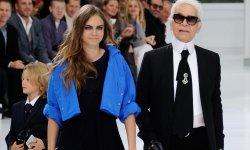 Cara Delevingne pose pour la dernière campagne Chanel Eyewear