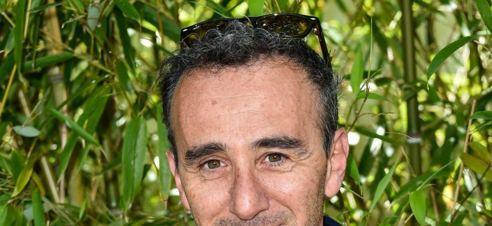 Elie Semoun rejoint l'équipe de Touche Pas À Mon Poste