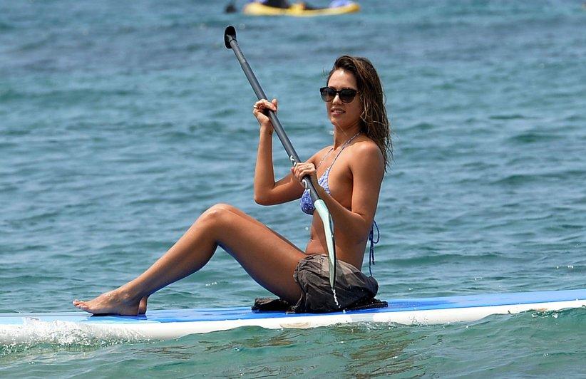 Jessica Alba : une nouvelle adepte du paddle