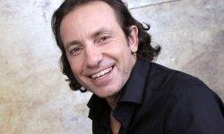 Philippe Candeloro se met à la littérature