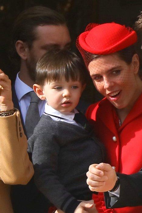 Charlotte Casiraghi et son fils Raphaël au balcon du Palais de Monaco, le 19 novembre 2016.