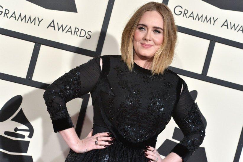 Adele assiste au 58e Grammy Awards à Los Angeles, en février 2016.