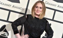 Adele est fière d'avoir de la barbe !