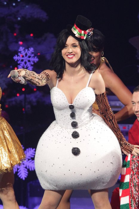 Katy Perry : un bonhomme de neige au féminin