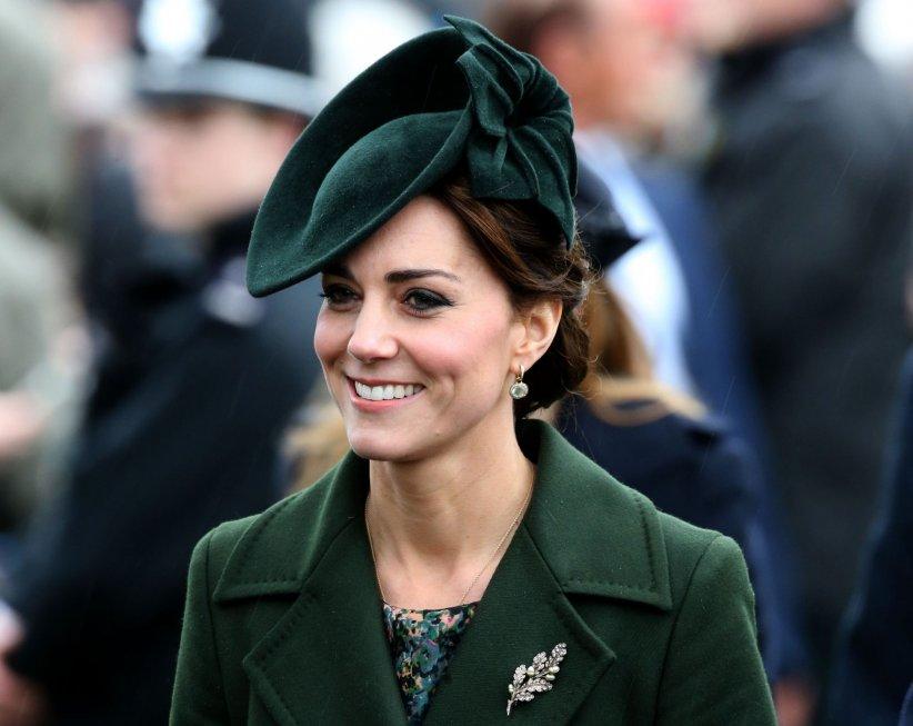 Kate Middleton, en marge des cérémonies des fêtes de Noël, le 25 décembre 2015.