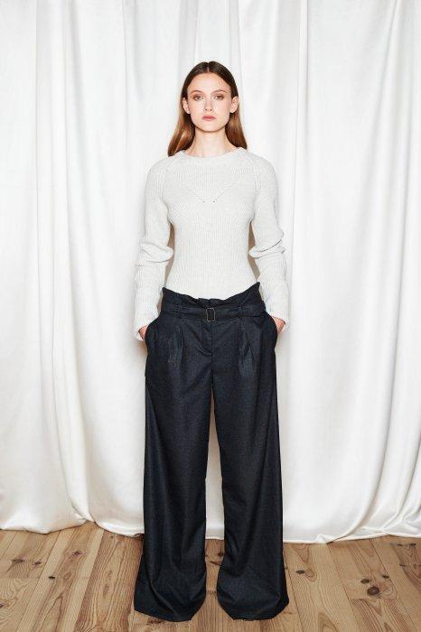 Le pantalon extra-large : la pièce maîtresse de votre tenue