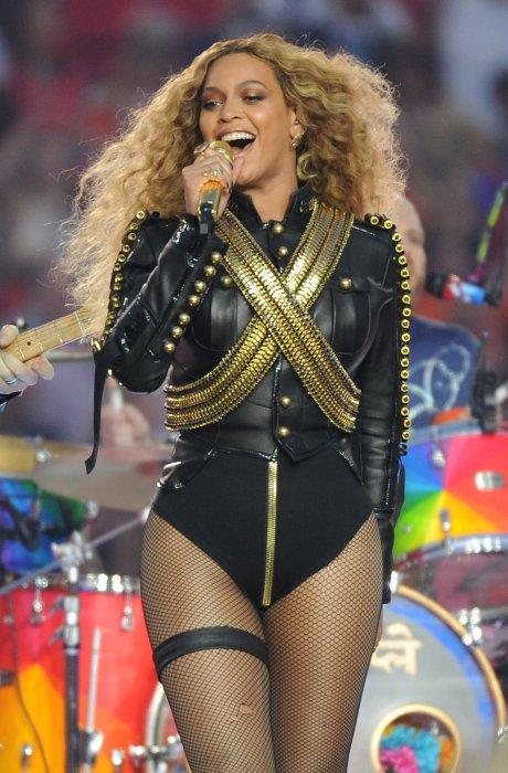 Beyoncé lors du Super Bowl, le 7 février 2016 à Santa Clara aux USA.