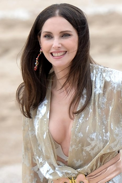 Frédérique Bel sur la plage lors du 30e Festival du Film de Cabourg à Cabourg, le 10 Juin 2016.