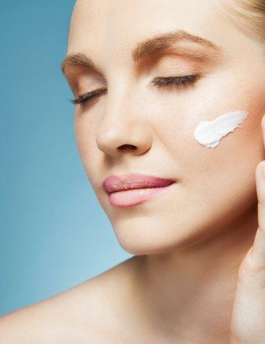 3 astuces pour hydrater sa peau sans qu'elle graisse ou brille