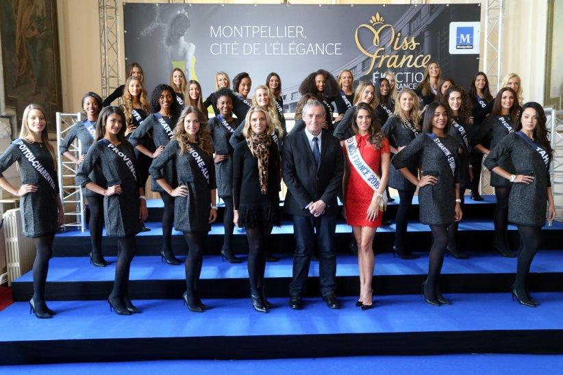 Le maire de Montpellier, Philippe Saurel, accueille les candidates à l\