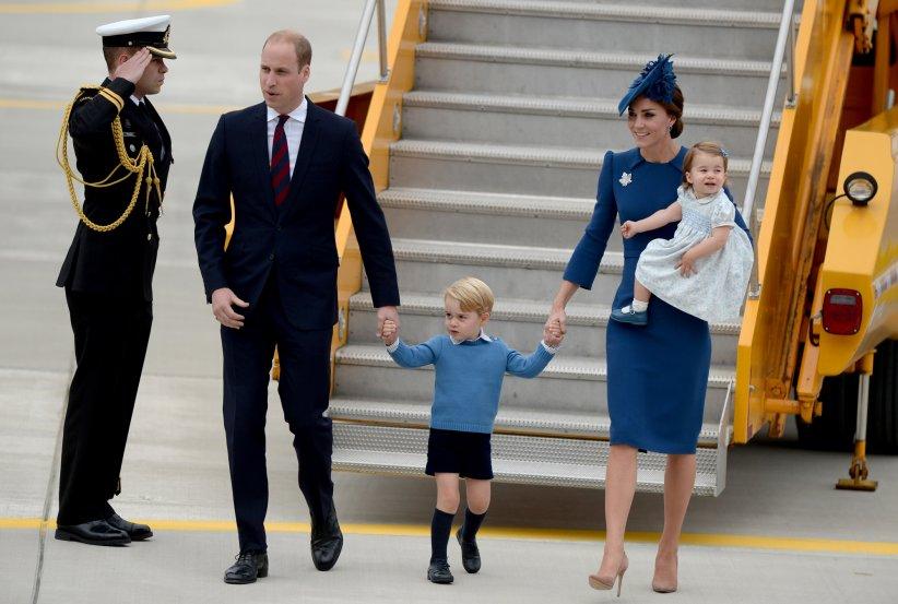 La famille royale arrive à l\