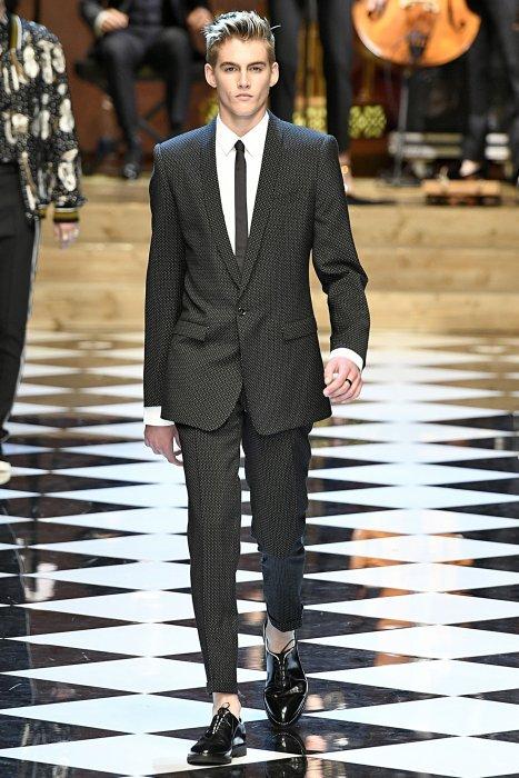 Presley Gerber défile pour Dolce & Gabbana lors de la Fashion Week printemps-été 2017 de Milan, le 18 juin 2016.
