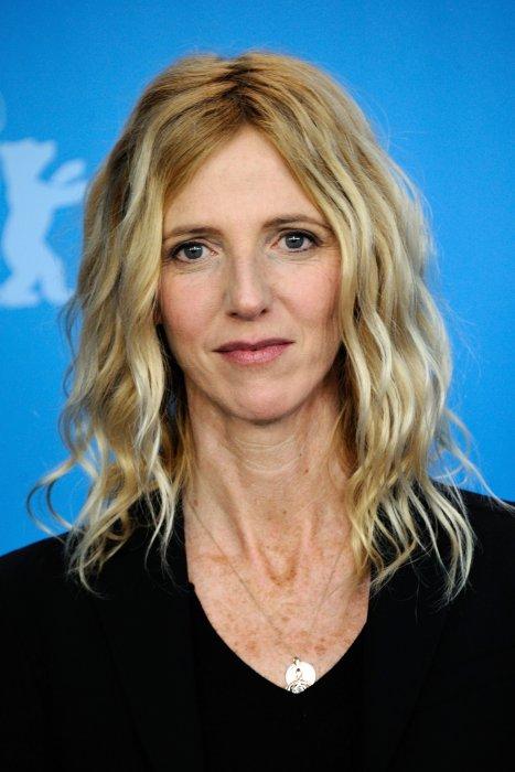 """Sandrine Kiberlain assiste au photocall de """"Quand on a 17 ans"""" lors du 66e Festival du film de Berlin, le 14 février 2016."""