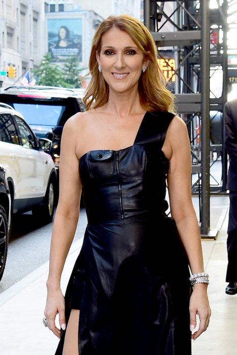 Céline Dion pose dans les rues de New York, le 22 juillet 2016.