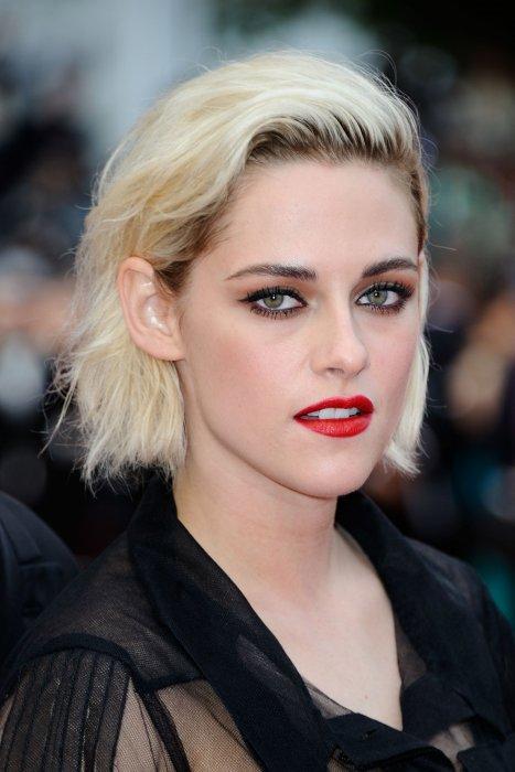 """Kristen Stewart assiste à la projection du film """"Café Society"""", le 11 mai 2016 à Cannes."""