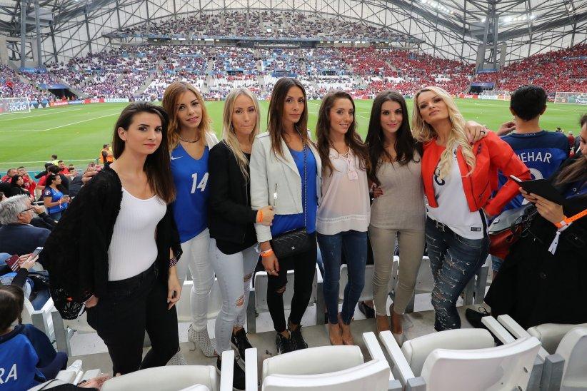 Les femmes des joueurs français, lors du match de l\