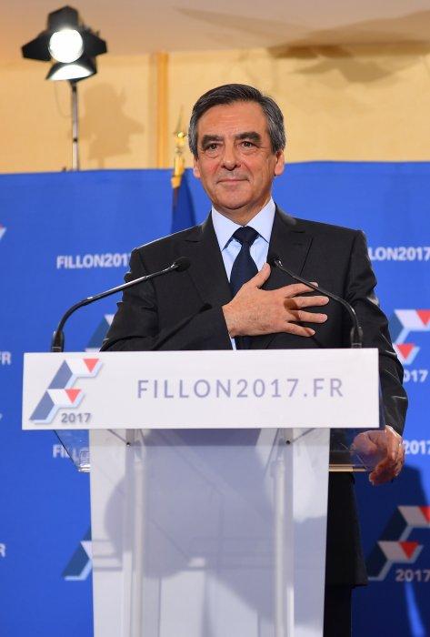 Francois Fillon donne son discours après sa victoire face à Alain Juppé lors des primaires de la droite, le 27 novembre 2016.