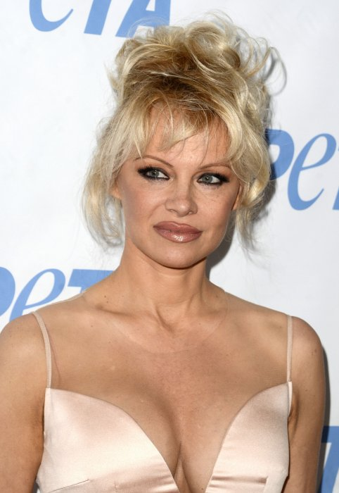 "Pamela Anderson assiste à la soirée ""Launch party for Prince's PETA Song"" à Los Angeles, le 8 juin 2016."