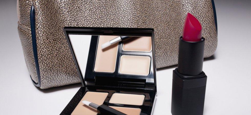 Retouches beauté : que doit-on glisser dans notre trousse make-up ?