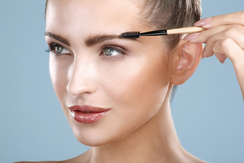 Dessiner ses sourcils avec du savon : la nouvelle tendance beauté repérée sur les réseaux sociaux !