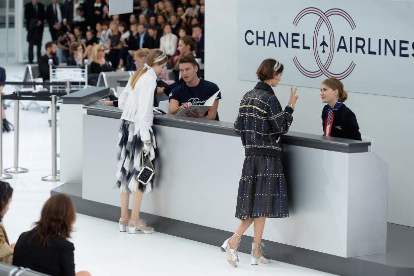 """Après son défilé """"Chanel Airlines"""" d\"""