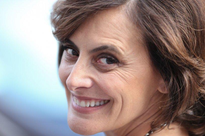 Inès De La Fressange, incarnation idéale de la Parisienne, lors du 68 ème Festival du film de Cannes, le 15 mai 2015.