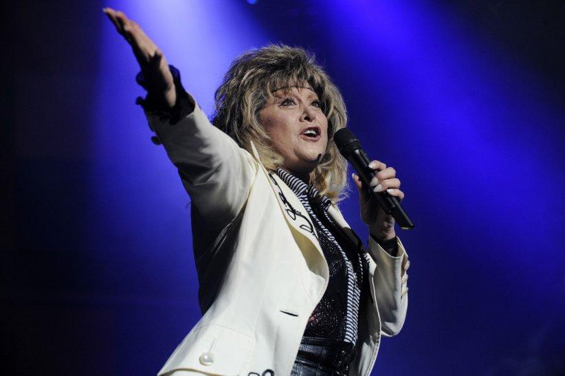 Chantal Richard, alias Sloane, sur la sène du Zénith de Nancy, en 2009.