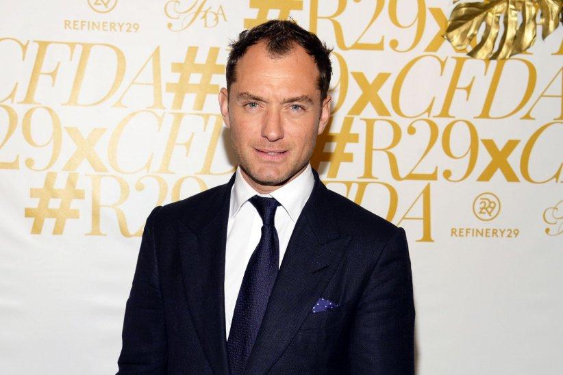 Jude Law assiste à la soirée des CFDA Fashion Awards à New York, le 1er juin 2015.