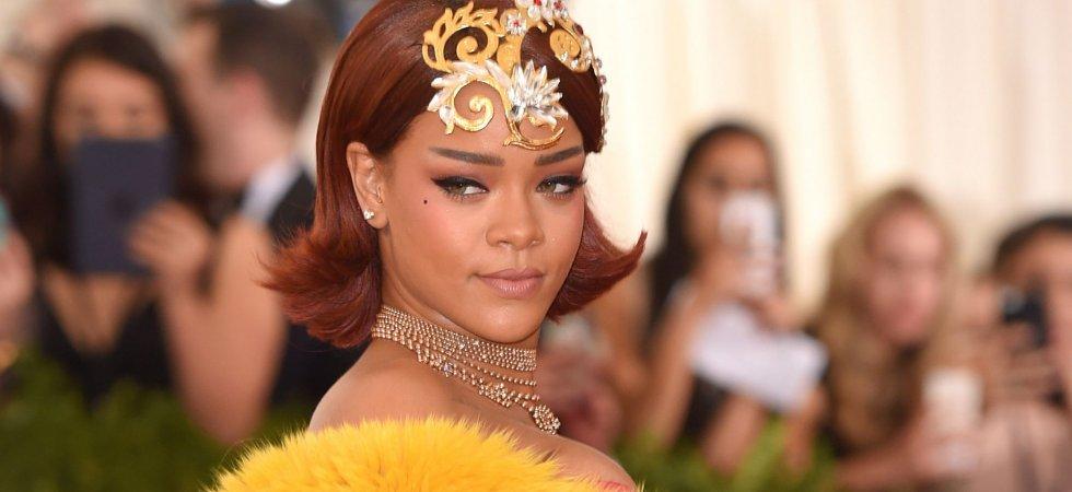 """Rihanna dévoile son nouveau parfum """"RiRi"""""""